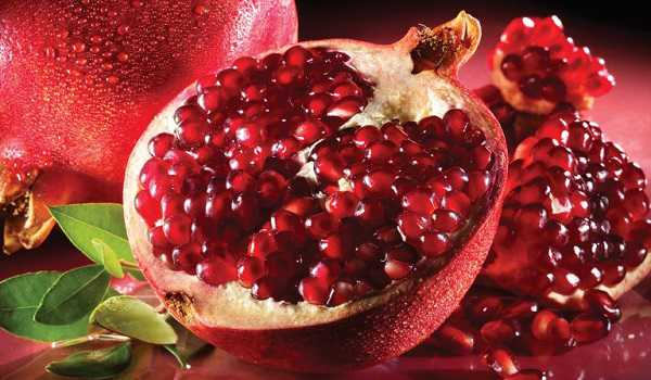 Pomegranate fruit sellers